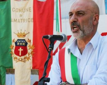 Terremoto Amatrice, Pirozzi: «Fondi ricostruzione prima a noi e Accumoli, altrimenti ribalto il banco»
