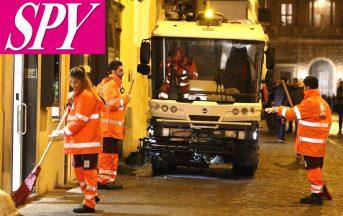 Amici 17, i ragazzi puliscono le strade di Roma: ecco le foto dopo la punizione