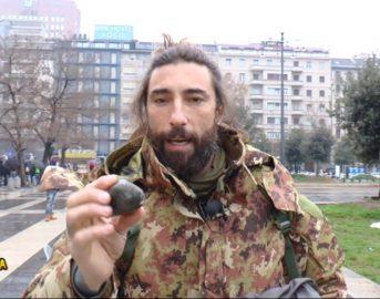 Striscia la Notizia: Vittorio Brumotti aggredito a Milano (FOTO)