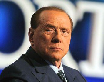 """Berlusconi indagato per la vendita del Milan? La Stampa: """"Inchiesta sulla vendita"""" (FOTO)"""