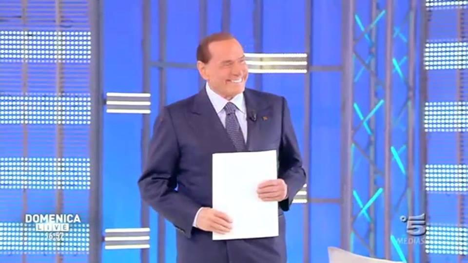 Berlusconi esclude governi con sinistra ma no a manifestazione anti-inciuci