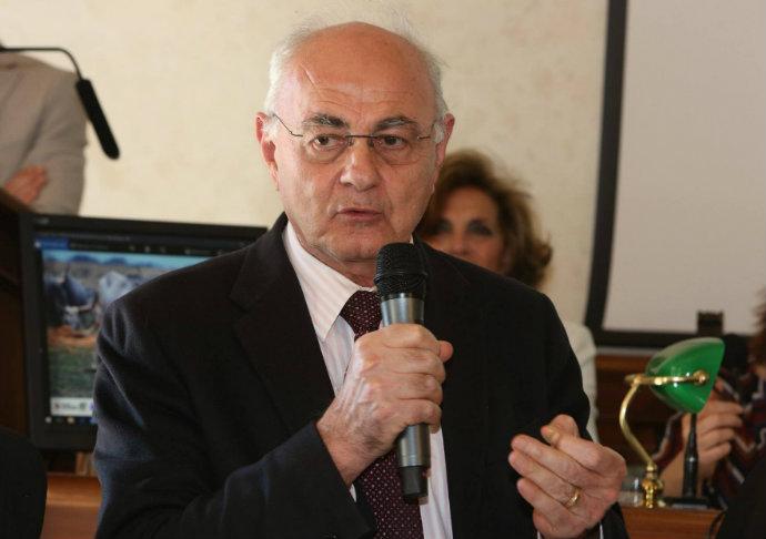 Governo news, Lannutti (M5S): «Accordo col PD? Governo uscente maggiordomo delle banche»