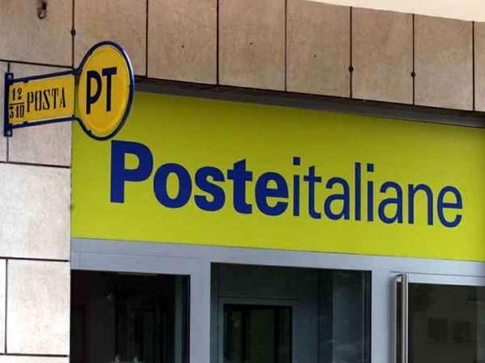 Risultati immagini per POSTE ITALIANE ASSUMER 7500 PERSONE ENTRO IL 2020