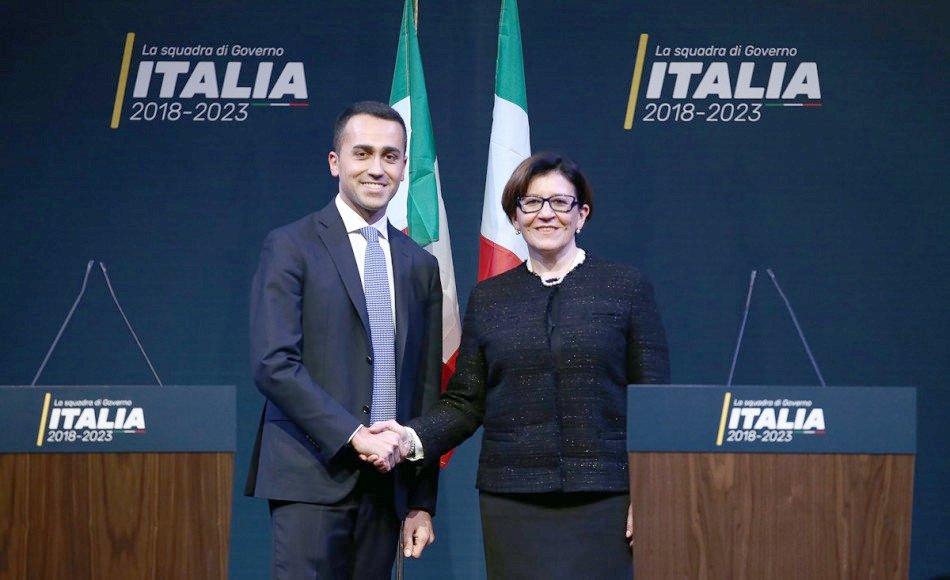 Renzi parla in aula: le espressioni di Salvini, Di Maio e Conte