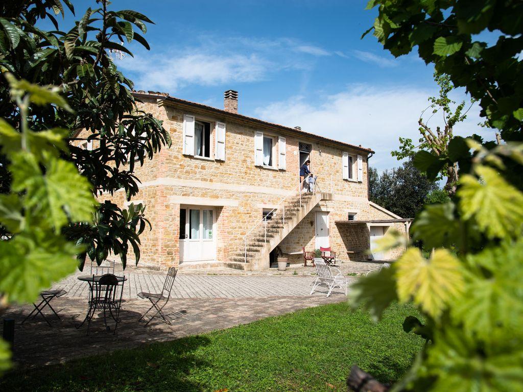 Vacanze in villa due location da sogno in umbria e nelle marche