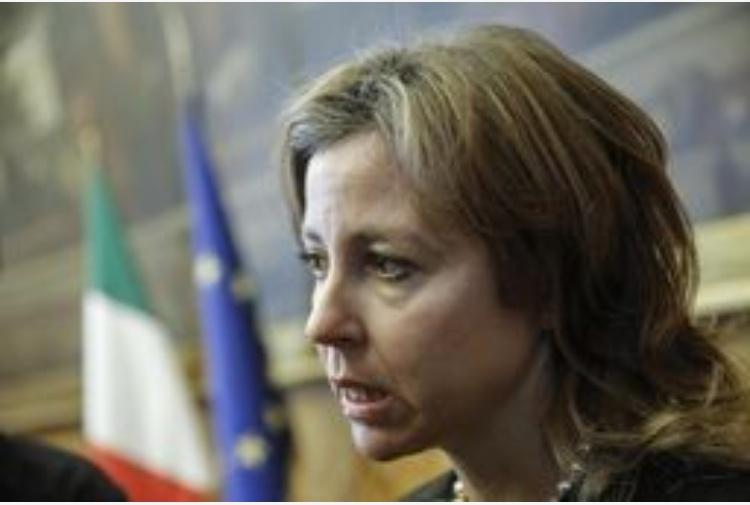 Autocertificazione vaccini, sfida Grillo-Presidi, ma il Ministro: «Polemica surreale»