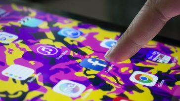 cercare lavoro con Facebook