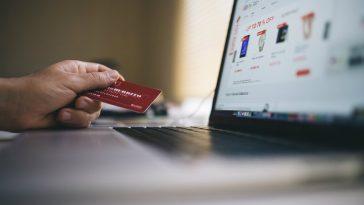 Tutto da rifare: nessuna multa se i negozianti non accettano le carte di credito