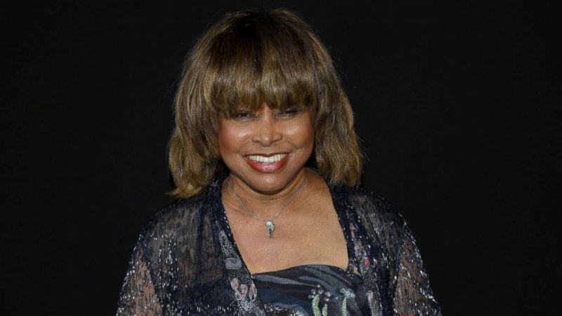 L'ultimo fiore per il figlio morto: il dolore di Tina Turner