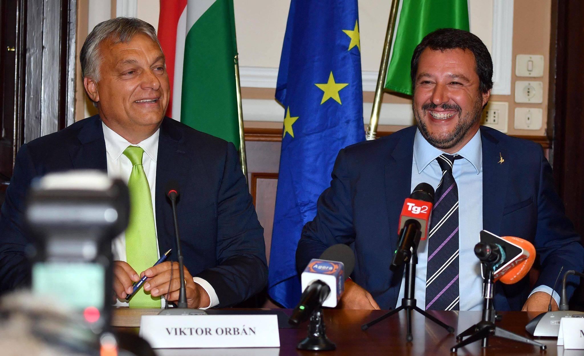 Incontro a Milano, Orban incorona Salvini: «Lui è il mio eroe»