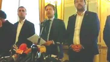 Crollo ponte a Genova, Conte: «Via le concessioni ad Autostrade, 5 milioni per rimuovere le macerie»