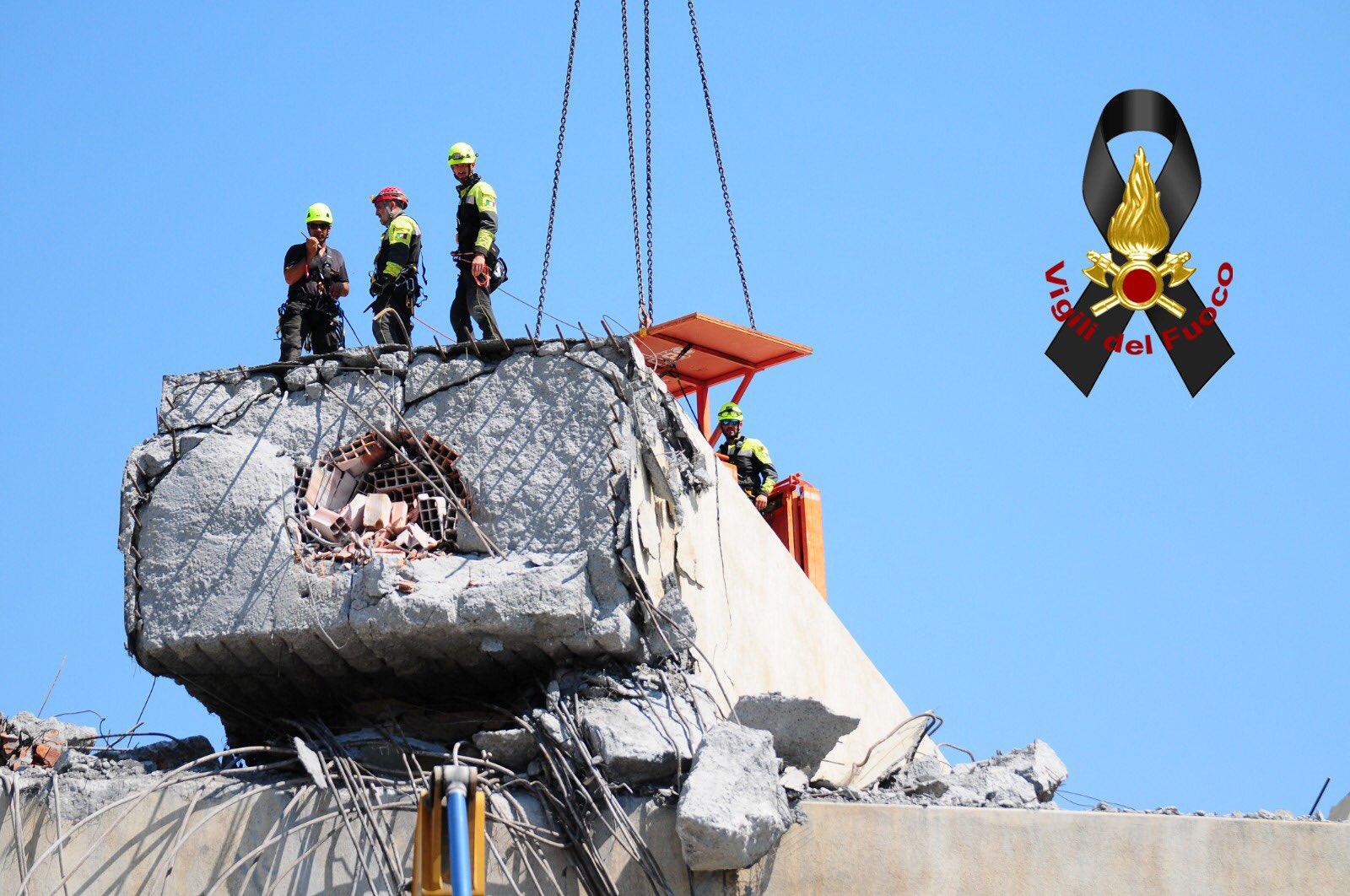 Crollo ponte Genova, Autostrade: «500 milioni, via i pedaggi e un nuovo ponte entro 6 mesi»