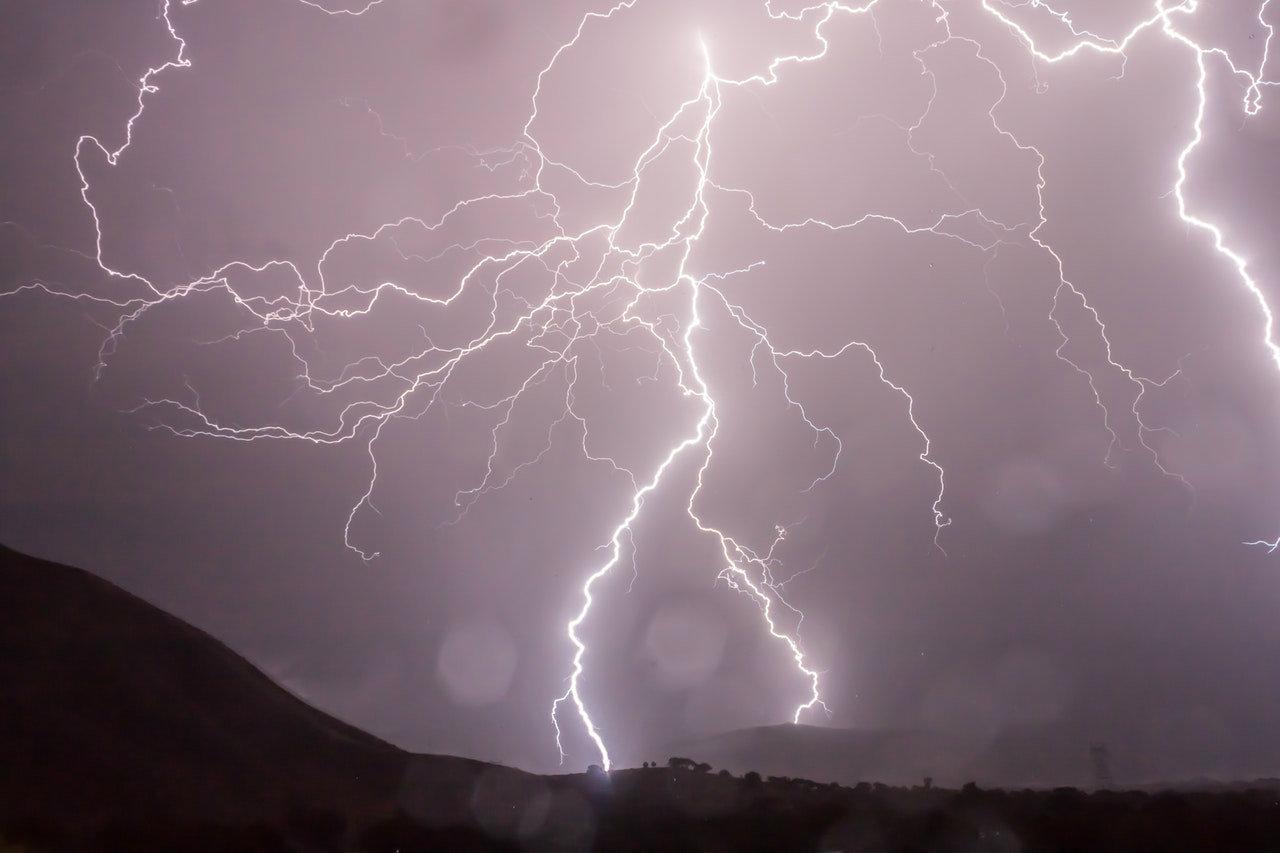 Meteo prossimi giorni: forte maltempo nel weekend, le previsioni dettagliate