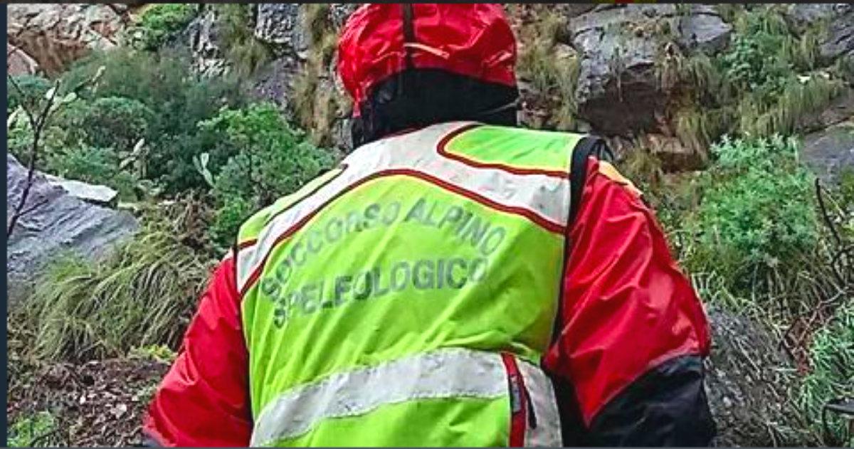 Udine, speleologo bloccato sul monte Canin: servono alcune ore per liberarlo