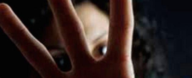stupra ripetutamente due bambine