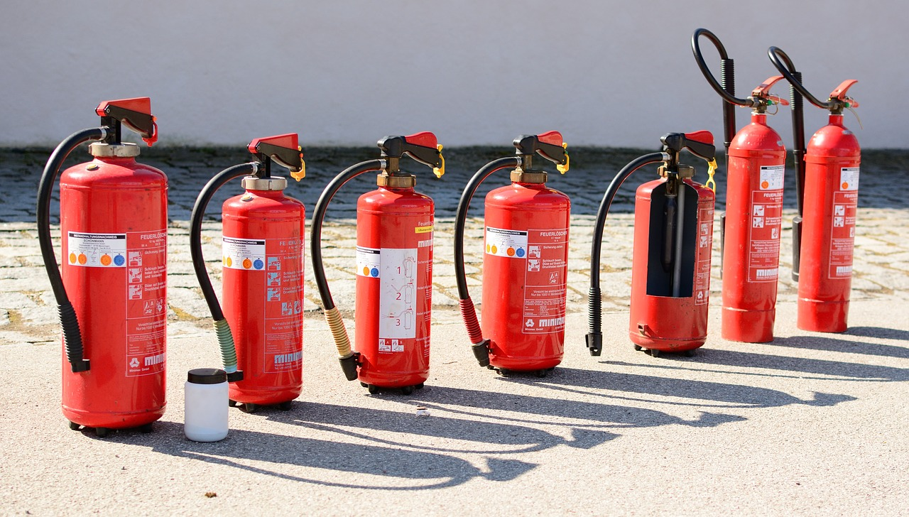Tipi di estintori: come utilizzarli in caso di incendio