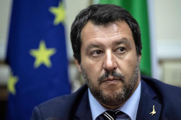 Salvini in copertina sul Time: «Il nuovo volto dell'Europa»