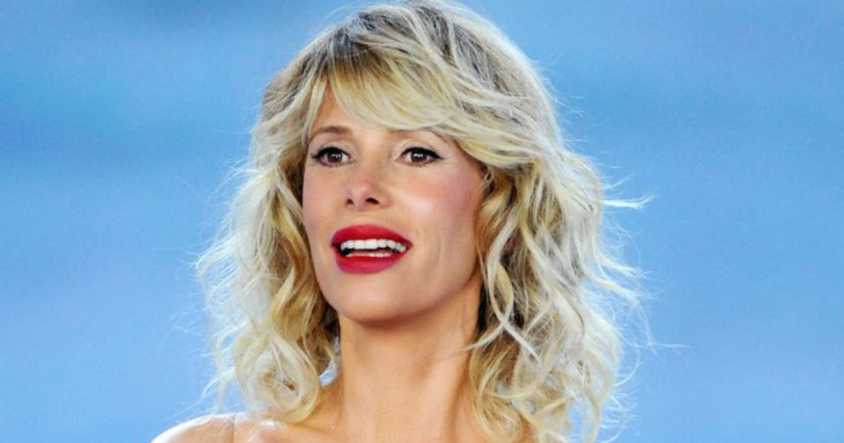 Who is Alessia Marcuzzi, private life and career: all about the well-known  Italian presenter - Ruetir
