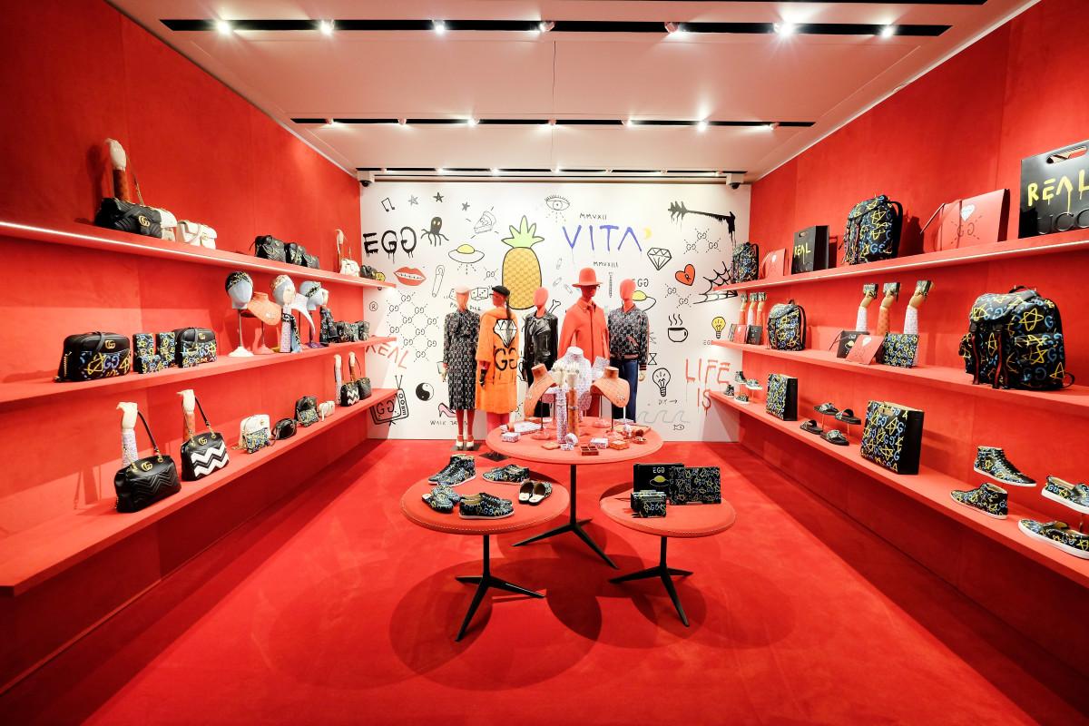 aeafbccb88 Gucci offerte di lavoro 2018: 900 posizioni aperte per l'azienda di moda  italiana (GUIDA COMPLETA) - UrbanPost