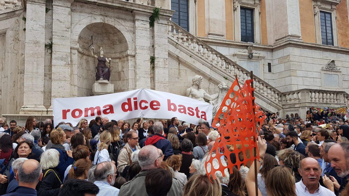 Roma, «Virginia Raggi più marxista del Pd. Sicurezza? San Lorenzo è una defecazione a cielo aperto»