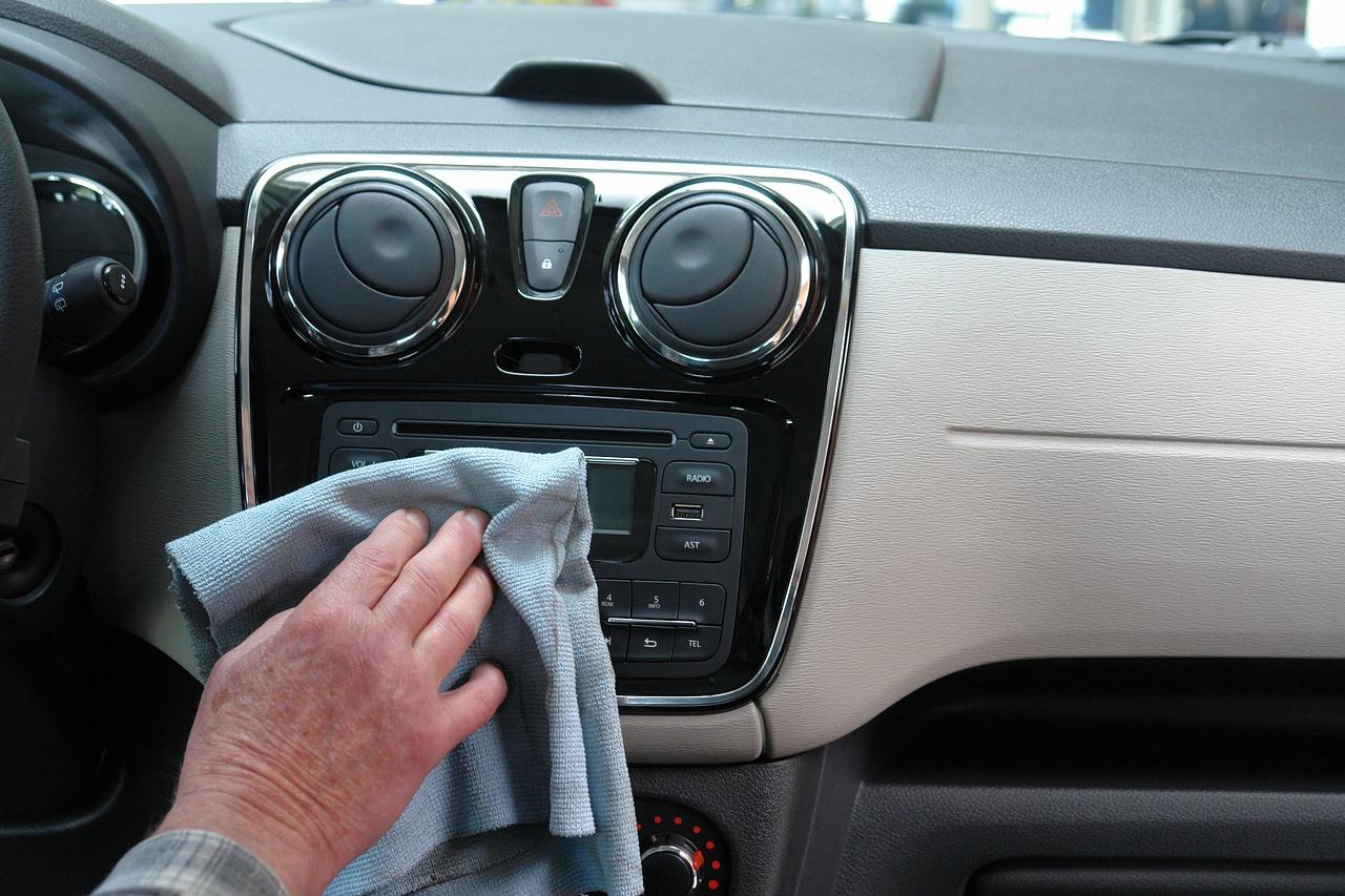 Come Tenere Pulita La Casa trucchi per mantenere pulita l'automobile come la tua casa