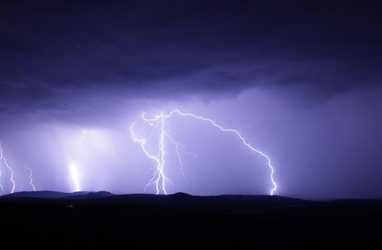Meteo prossime ore: allerta meteo al Sud, arancione in Calabria