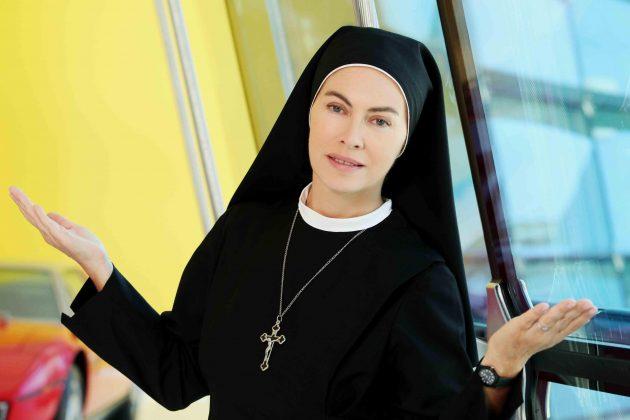 Elena Sofia Ricci, dramma sul set di 'Che Dio ci aiuti'