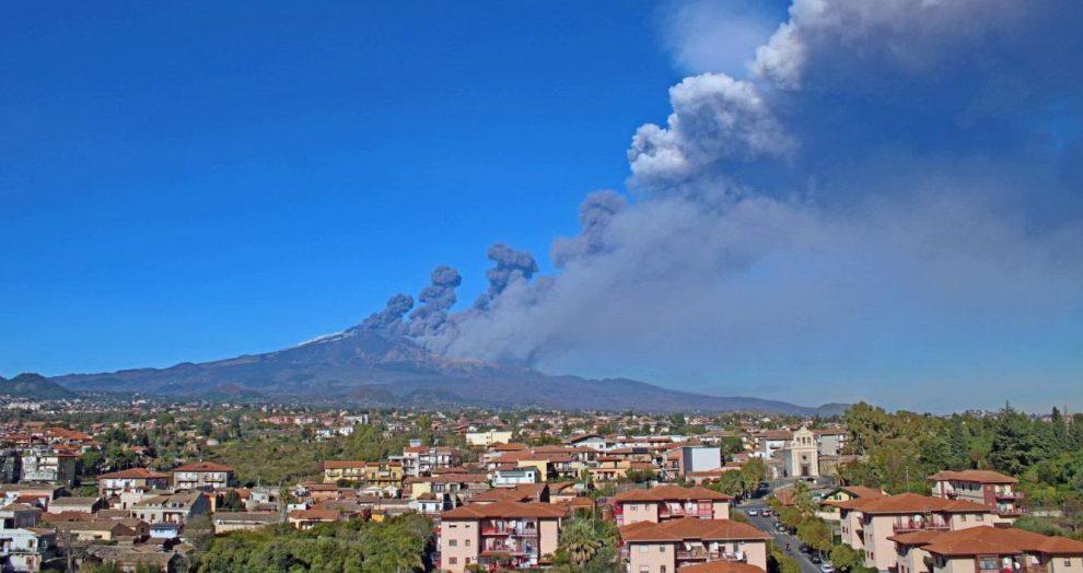 terremoto eruzione etna