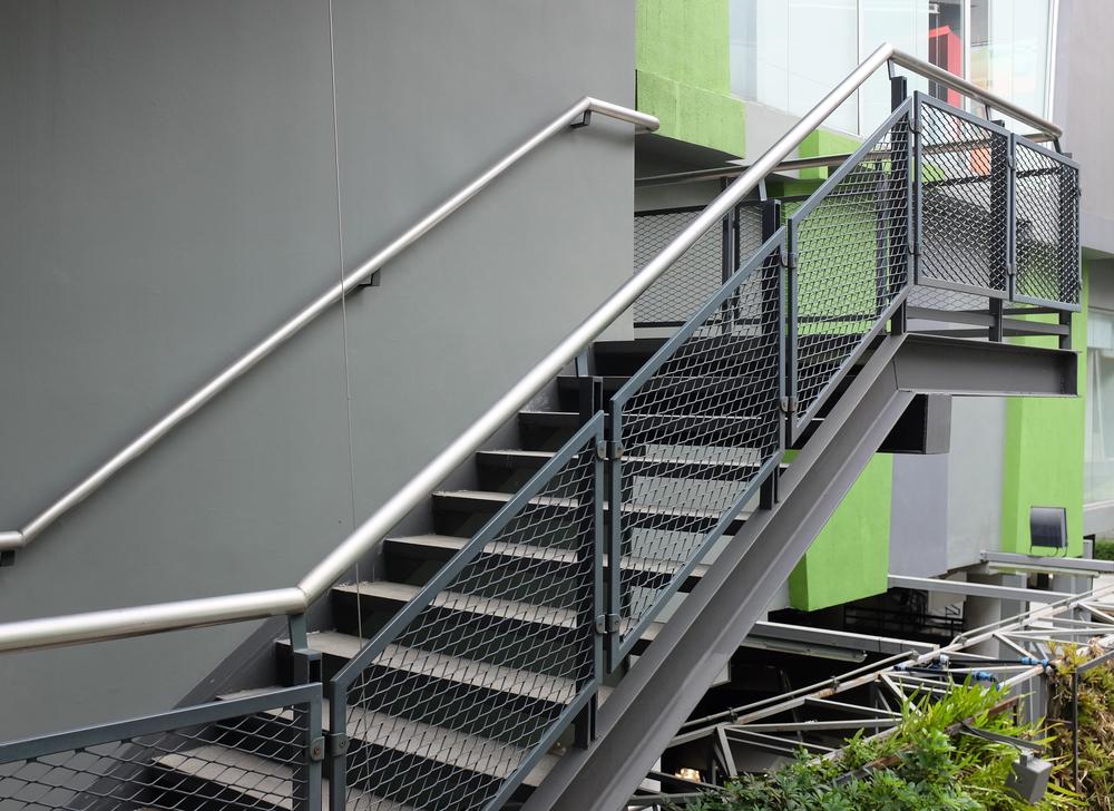 gradini in ferro per scale esterne