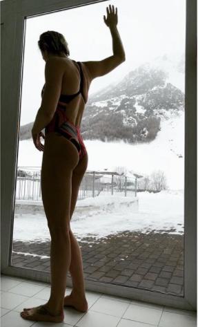 1475a97af344 Federica Pellegrini Instagram: la campionessa super sexy si sveste e ...