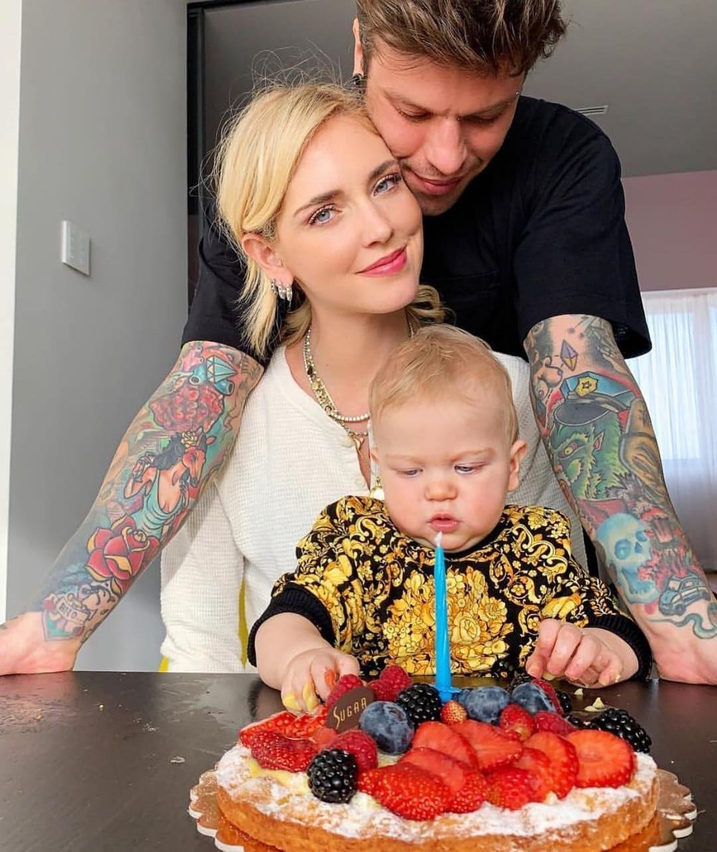 Auguri Leone! Il piccolo di Chiara Ferragni e Fedez compie un anno