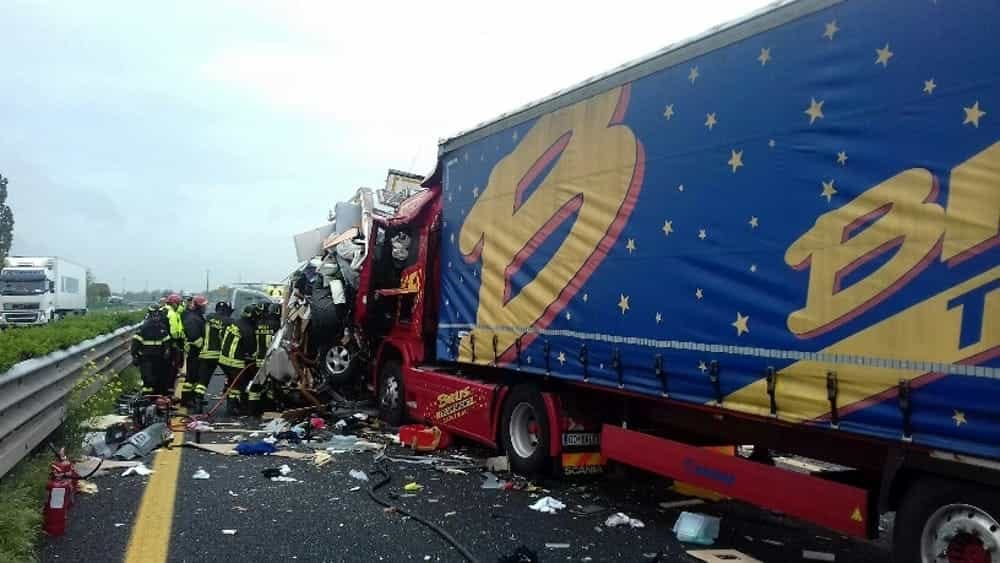 incidente a8 statale 336