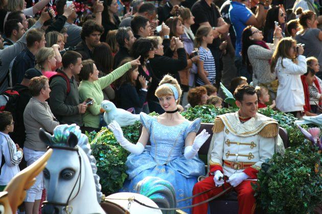 Disneyland Paris offerte di lavoro, casting aperti a Roma: requisiti