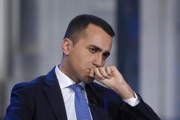 Dimissioni Luigi Di Maio: pur di non affondare con il govern