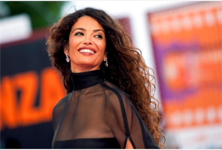 Afef pronta alle nozze, l'ex marito Tronchetti Provera 'risponde' con un'altra donna