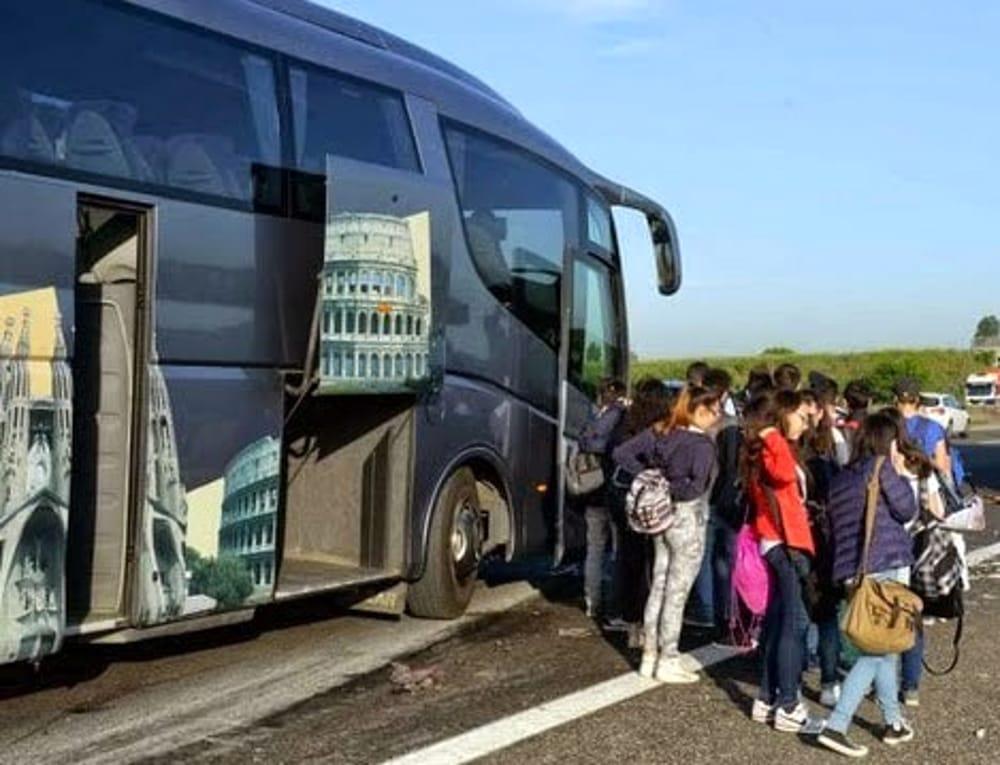 treviso autista abbandona autobus