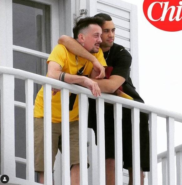 Mahmood, vacanza d'amore a Mikonos con Dario Faini