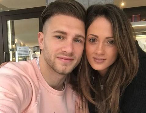 Uomini e Donne gossip: ex tronista in crisi per problemi col fisco