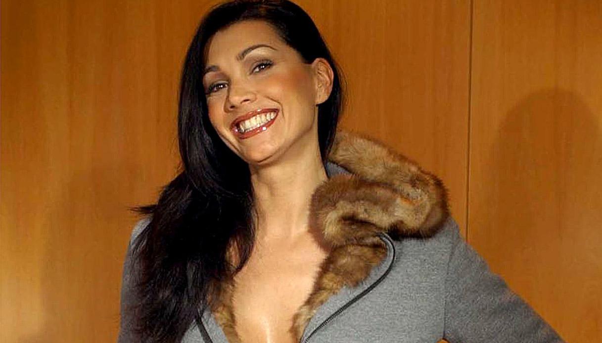 """Luisa Corna a """"Io e te"""": «Quel periodo mi ha ferito molto»"""