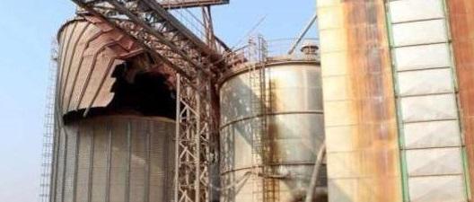 mantova crolla silos