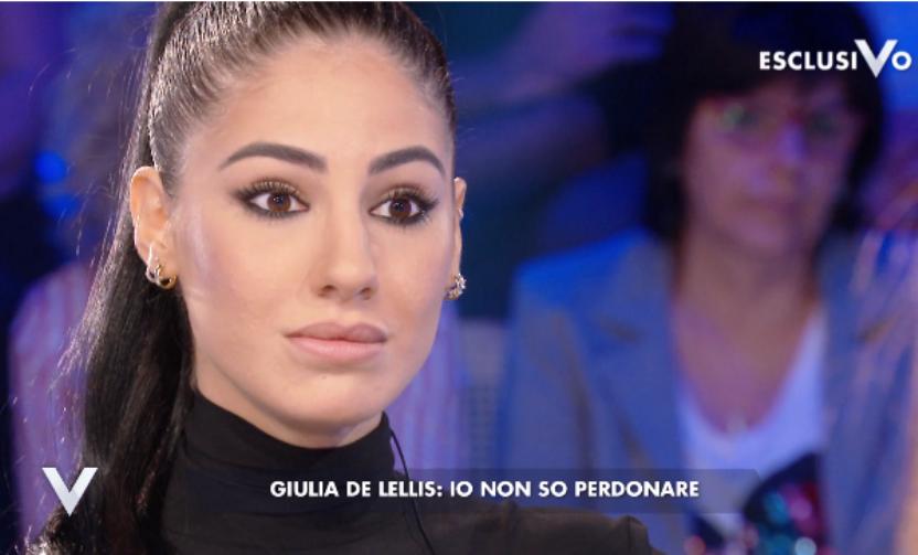 Damante critica il libro di Giulia De Lellis