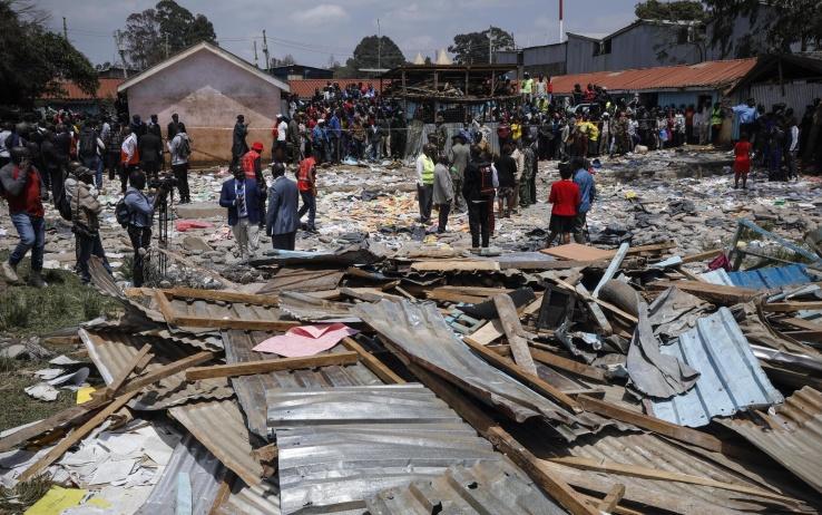 kenya crolla scuola