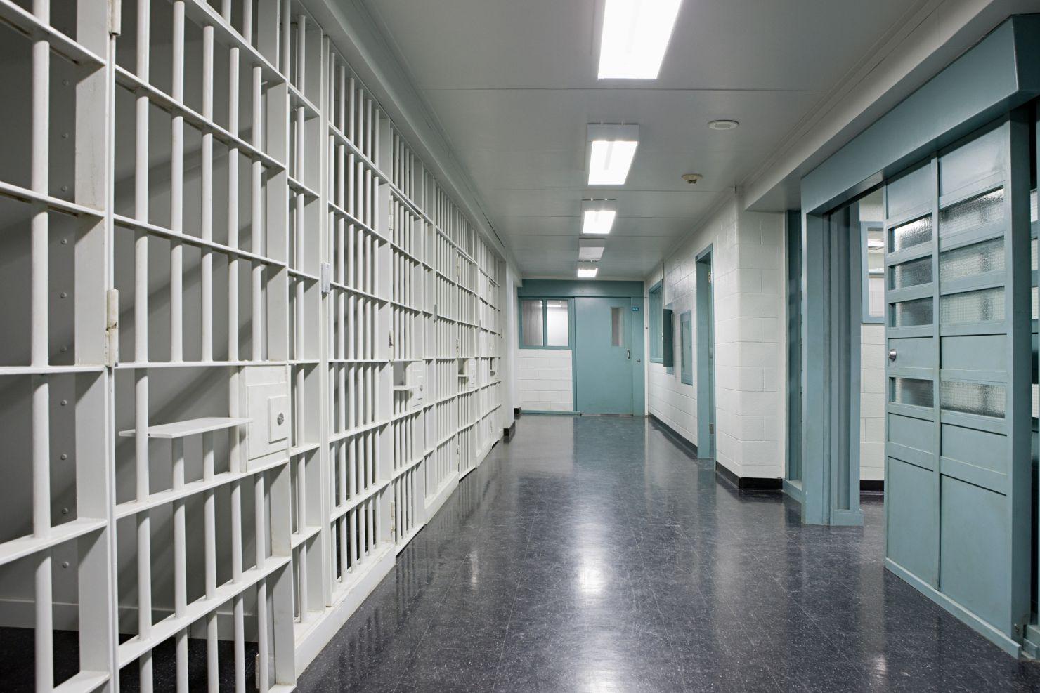 torino sei agenti arrestati