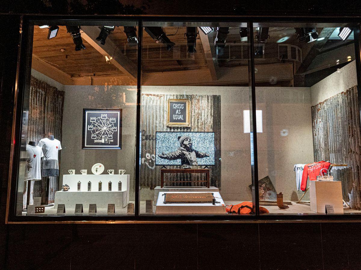 Banksy apre il negozio online la provocazione vende for Oggetti per la casa online
