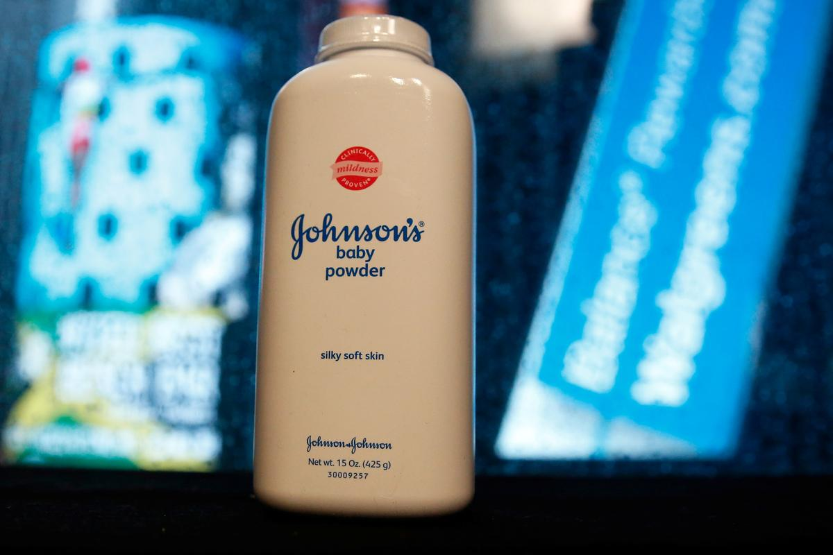 Johnson&Johnson ritira un lotto di talco contenente amianto