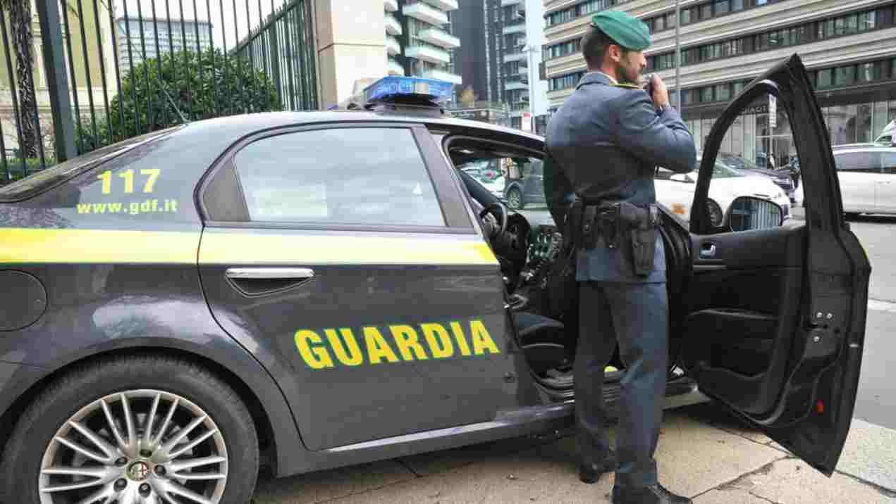 Roma, maxi operazione antidroga: Gdf arresta 51 persone