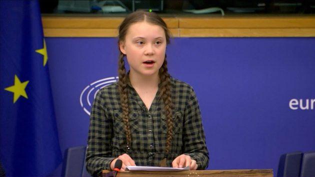 """Greta Thunberg è la """"Persona dell'anno"""" del Time: è la più g"""