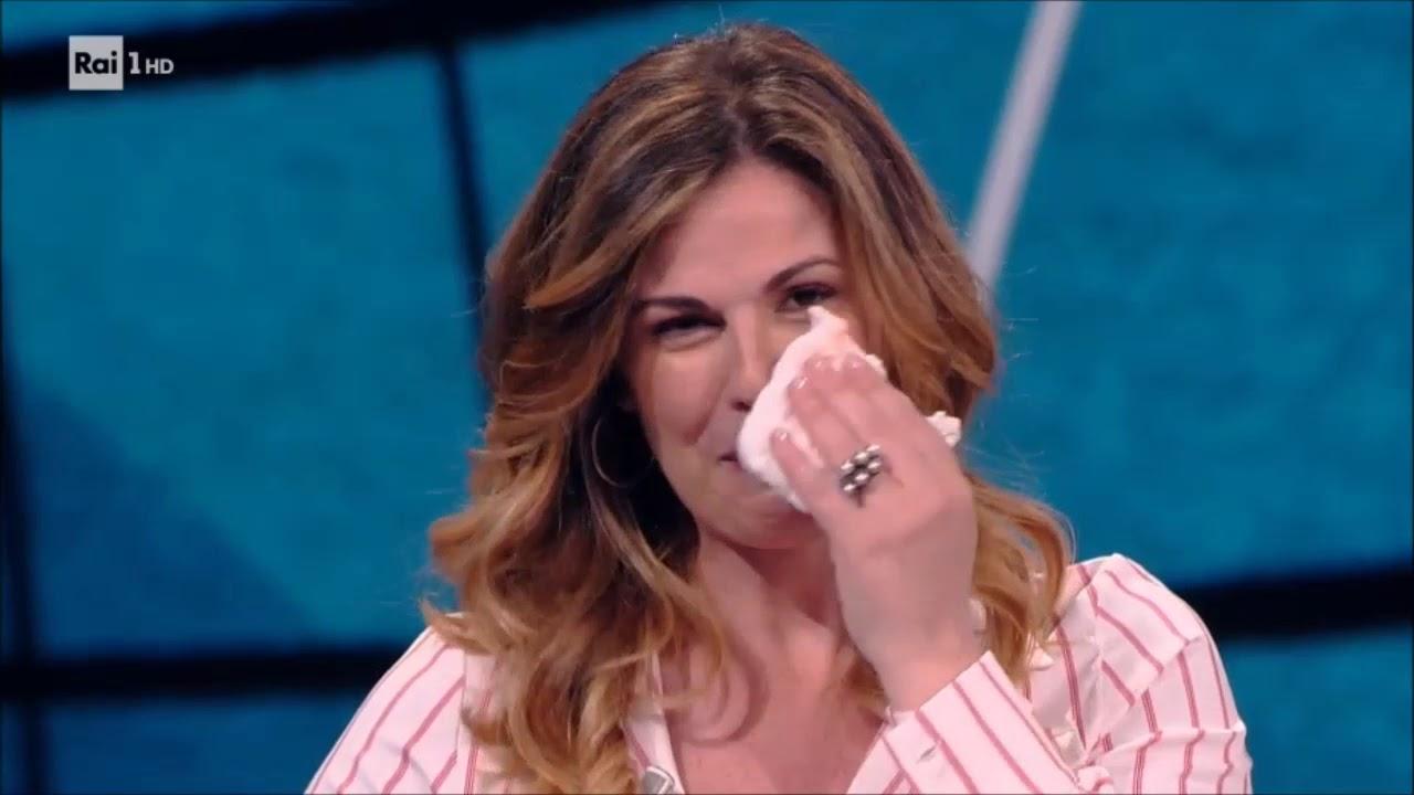 """""""20 anni che siamo italiani"""", Vanessa Incontrada in lacrime:"""