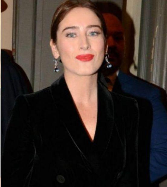 Maria Elena Boschi prima Scala, la più bella di tutte in ner