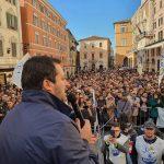 donna aggredita durante il comizio di Salvini